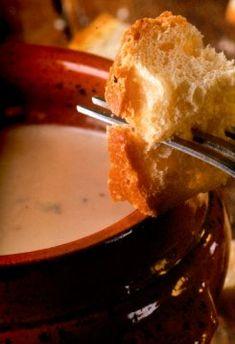 Fondue Auvergnate, l'art de la fondue