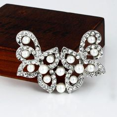 New Fashion Silver Alloy And Pearl Flower Shape Women's Brooch
