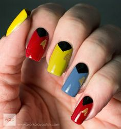 The Original Star Trek U.S Enterprise Crew Uniforms inspired mani Love Nails, Pretty Nails, Fun Nails, Star Trek Nails, Do It Yourself Nails, Fall Nail Art Designs, Nail Design, Pretty Designs, Star Wars