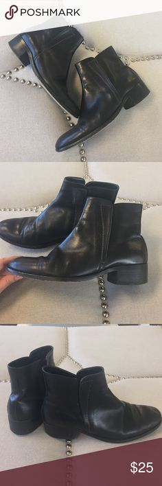 Flat Leather Boots Pre-loved 100% Italian leather boots made by fatte a mano. Barneys New York Shoes Ankle Boots & Booties