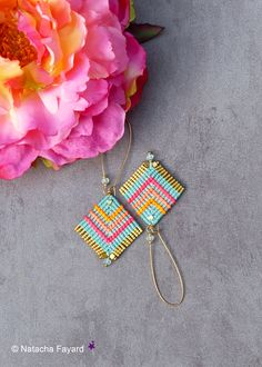 Boho chic style & Bollywood colors. Micro macrame earrings hoops. Aqua blue / azure, neon orange, coral and pink. Gold miyuki fringe. Available in my shop. © Natacha Fayard