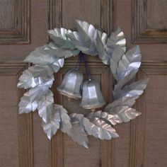 Aluminum Can Crafts Aluminum Can Crafts, Aluminum Cans, Metal Crafts, Pop Can Crafts, Diy Arts And Crafts, Fun Crafts, Soda Can Flowers, Tin Flowers, Tin Can Art
