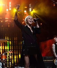 Miley's Rock n Roll hall of fame Tribute will air May Miley Cyrus Performance, Happy Hippie Foundation, Rock N Roll, Concert, People, 30th, Rock Roll, Concerts, Folk