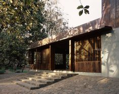 Image 9 of 50 from gallery of Copper House II / Studio Mumbai. Photograph by Studio Mumbai Indian Architecture, Roof Architecture, Residential Architecture, Architecture Details, Copper House, Copper Roof, Estudio Mumbai, Pump House, Modern Buildings