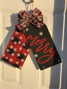 Christmas Door Tags are A beautiful addition to your front door Etsy Christmas, Christmas Door, Christmas Signs, Christmas Ornaments, Dollar Tree Crafts, Christmas Projects, Holiday Crafts, Front Door Christmas Decorations, Craft Booth Displays