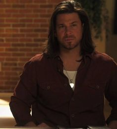 Christian Kane is a hottie. He can act, sing and look pretty.