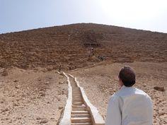 Contemplando_Piramide_Roja.JPG (480×360)