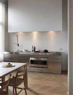Minimal lighting + concealed vent