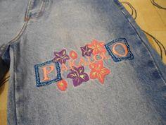 Objetos-ostentação que eram nosso desejo nos anos 90 Graphic Sweatshirt, T Shirt, Denim, Sweatshirts, Sweaters, Jackets, Nostalgia, Women, Fashion
