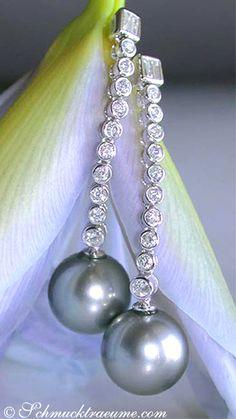 Noble Tahitian Pearl (11-12mm) Diamond Earrings, WG18K - Visit: schmucktraeume.com
