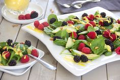 I'm loving this fresh avocado and berry salad lately. It's super nutritious but also tastes heavenly, with rich and creamy avocado, plus fresh and tart summer berries, plus crunchy pine nuts, plus sweet and velvety homemade mango vinaigrette. Berry Salad, Mango Salad, Avocado Salad, Fruit Salad, Tasty Kitchen, Salad Recipes, Vegan Recipes, Cooking Recipes, Cooking 101