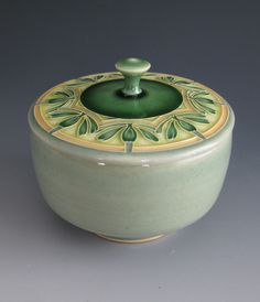 Solstice Covered Teabowl by Thomas Gelsanliter of Milan, MI. 2014 NICHE Awards Finalist. Category: Ceramics, Functional. #ceramics, #teabowl