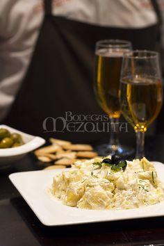 Alioli para quien gusta de las cosas con mucho sabor. www.bodegasmezquita.com Grains, Rice, Food, Gastronomia, Lunches, Dinners, Cooking, Aioli, Restaurants