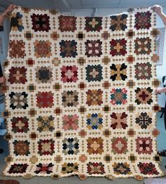 http://littlequilts.blogspot.jp/2015/08/patchwork-of-crosses_13.html