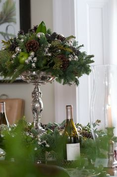 Preppy Empty Nester: Christmas Tablescapes Take 1 Christmas Flowers, Noel Christmas, Green Christmas, Winter Christmas, Christmas Lights, Christmas Wreaths, Christmas Decorations, Holiday Decor, Fall Lights