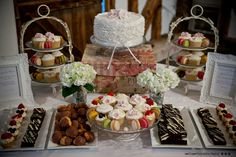 Cake Table, Dessert Table, Wedding Desserts, Wedding Cakes, Wedding Cake Designs, Cake Decorating, Sweet Tables, Sweets, Table Decorations