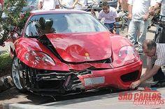 Polícia: Ferrari avaliada em mais de 1 milhão bate próximo ao Shopping - São Carlos Agora | Notícias em tempo real