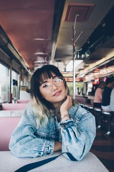 portrait photography in a vintage diner people photography