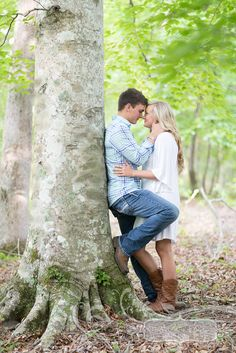 Posing couples- first realistic posing ive came across. Love it! #lynsey