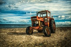 Rusty tractor by Tom Nielsen on 500px