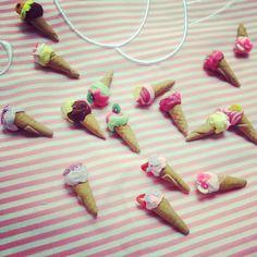 Pendientes Ice Cream Sweet  Merengue Sweet #merenguesweet #dulce #polymerclay #fimo #miniature #miniatura  www.merenguesweet.com