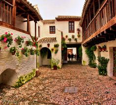 Posada del Potro (The Colt Inn), Cordoba. Hacienda Homes, Andalucia Spain, Mediterranean Style Homes, Dream Vacations, Beautiful World, The Good Place, Swimming Pools, Home And Garden, Cottage