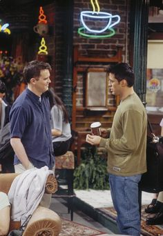 Matt LeBlanc and Matthew Perry in Friends (1994)