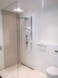 begehbare dusche auf einem kleinem podest mit glastrennwand badezimmer der br ning gmbh in. Black Bedroom Furniture Sets. Home Design Ideas
