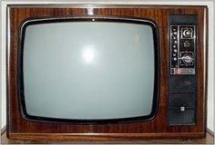 Collection of vintage TV sets photos) Vintage Television, Television Set, Vintage Tv, Hard Rock, Radios, Hot Girls, Tv Sets, My Childhood Memories, Old Tv