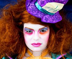 De Fantasia Aaaaw Carnaval Clow Girl Makeup Nice The Mad Hatter Halloween 2015, Halloween Costumes For Kids, Halloween Makeup, Female Mad Hatter, Wonderland Theater, Mad Hatter Makeup, Mad Hatter Tattoo, Cheshire Cat Costume, Alice In Wonderland Birthday