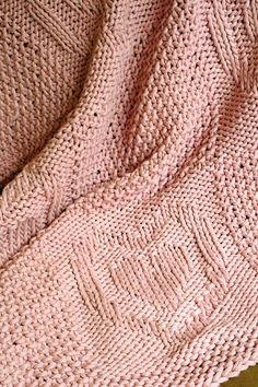 Easy blanket knitting pattern / heart pattern blanket / Chunky
