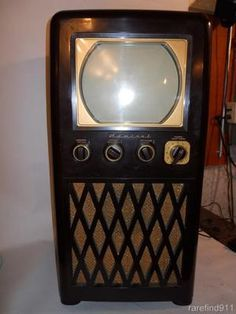 Vintage T V's on Pinterest | Vintage Tv, Radios and Retro