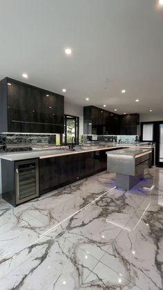Luxury Kitchen Design, Kitchen Room Design, Best Kitchen Designs, Luxury Kitchens, Bathroom Interior Design, Modern House Design, Mansion Interior, Dream House Interior, Luxury Homes Interior