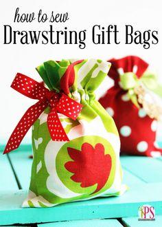 Sewing Gifts Drawstring Fabric Gift Bag Tutorial - How to sew drawstring fabric gift bags. Easy Sewing Projects, Sewing Projects For Beginners, Sewing Tutorials, Sewing Crafts, Diy Crafts, Sewing Tips, Sewing Hacks, Diy Projects, Sewing Ideas