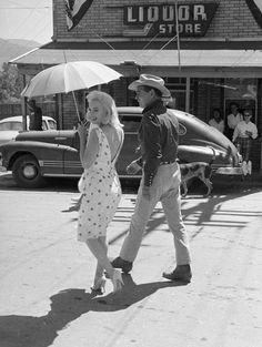 MM and Clark Gable on the set of The Misfits