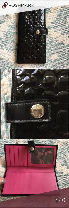 COACH black wallet Excellent condition! Love the hot pink interior! Coach Bags Wallets