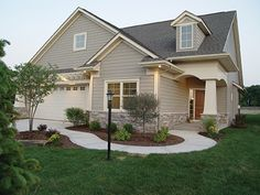 Ranch House Plan with 1580 Square Feet and 2 Bedrooms from Dream Home Source | House Plan Code DHSW63306