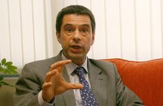 """Gaspar anuncia que dívida a 10 anos foi """"um sucesso"""""""