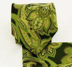 Amazon.com: Green Paisley Necktie and Pocket Square Set: Clothing