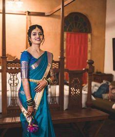 Gorgeous Kanjeevaram Saree Border Ideas You Must Look Out For South Indian Bride Saree, Indian Bridal Sarees, Indian Beauty Saree, Simple Saree Blouse Designs, Simple Sarees, Saree Border, Designer Blouse Patterns, Casual Saree, Beauty Full Girl