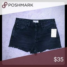 """TRADING WITH @samrod11 For 2 NORTHFACE BRAND NEW NEVER WORN FREE PEOPLE PREMIUM PAIRS OF DENIM """"BLACKBIRD"""" & BRIGHTEST BLUE """"IRREPLACEABLE""""  JEAN SHORTS...BOTH .SIZE 28, NWT, ONE PAIR OF ZARA ACID WASHED PREMIUM EUC SIZE 6..TOTAL 3 PAIRS..Trading @samrod11 for 2 Small Norface jackets Free People Shorts Jean Shorts"""