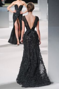 elie saab ~ the back of this dress is as dramatic as the front of it! LOVE IT!