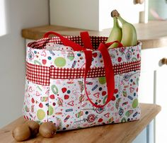 Sew What? by Debbie Shore: Sweetie fabric bag