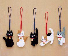 DIY Japanese Folk Art Mobile Strap Fabric kit Can make 5 cats --- Japanese Craft Kit (Just u. DIY Japanese Folk Art Mobile Strap Fabric kit Can make 5 cats --- Japanese Craft Kit (Just use glue Cat Crafts, Diy And Crafts, Arts And Crafts, Craft Kits, Diy Kits, Craft Ideas, Felt Christmas, Christmas Crafts, Fabric Crafts