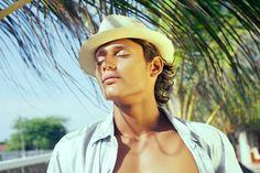 LookBook Ernest J. French Photography by Muchin Agurto #ernestjfrench #panamahat #hat #model #malemodel #male #summer #beach #editorial #beauty #portrait #fashion #face #eyes #photoshoot #muchinagurtophotography #ecuador www.behance.net/muchinagurto www.facebook.com/muchinagurtophotography