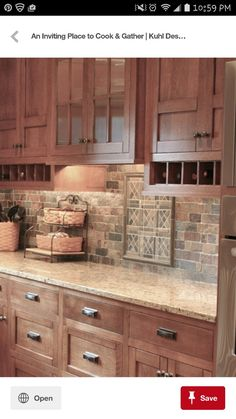 Simple Kitchen: 60 Beautiful and Cheap Decoration Tips! Kitchen Cabinet Styles, Kitchen Cabinets Decor, Kitchen Redo, Kitchen Styling, Rustic Kitchen, Kitchen Countertops, Country Kitchen, New Kitchen, Kitchen Remodel