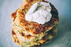 These easy, healthy Gluten-Free Vegan Zucchini Fritters are made with chickpea flour for added nutrition and depth. Packed with the perfect blend of spices, these delightful vegan fritters are beyond DELICIOUS, too! | Gluten Free Zucchini Fritters | Chickpea Flour Fritters | #veganzucchinifritters #glutenfreezucchinifritters Gluten Free Zucchini Fritters, Vegan Zucchini Recipes, Kefir Recipes, Vegan Breakfast Recipes, Health Recipes, Vegan Food, Vegetarian Meals For Kids, Kids Meals, Vegetarian Recipes