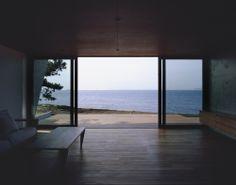 APOLLO Architects & Associates / Slash
