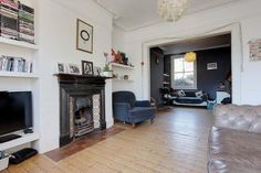 Home Interior 2019 Terraced house for sale - 5 bedrooms in Inderwick Road, London Victorian Living Room, Edwardian House, Victorian Terrace, Living Room With Fireplace, Home Living Room, Living Room Designs, Living Room Knock Through, Front Room Decor, Snug Room
