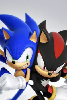 Sonic the Hedgehog & Shadow the Hedgehog Shadow The Hedgehog, Sonic The Hedgehog, Silver The Hedgehog, Hedgehog Drawing, Hedgehog Art, Sonic Dash, Sonic And Amy, Animes Wallpapers, Cute Wallpapers